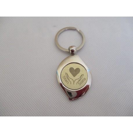 Porte-clés métallique gravé coeur